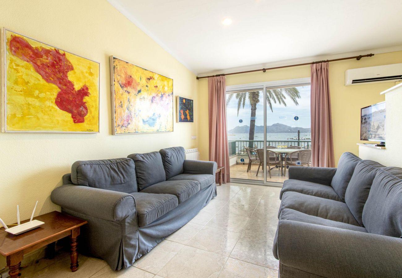 Apartamento en Puerto Pollensa - DANIELA. En primera línea de playa!