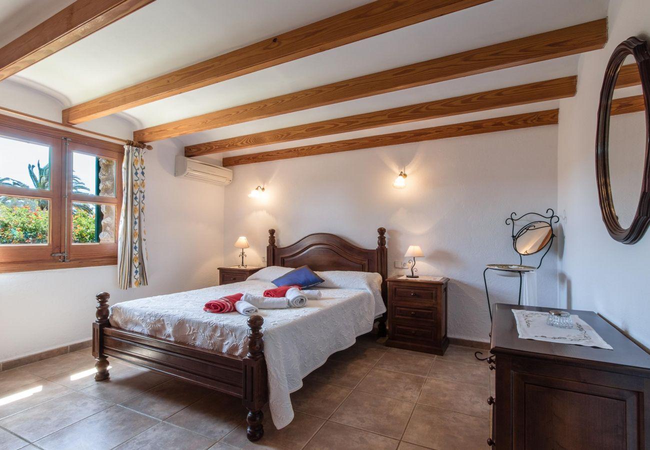 Villa en Puerto Pollensa - MOLI. Pista de tenis y jacuzzi en un bonito entorno rural