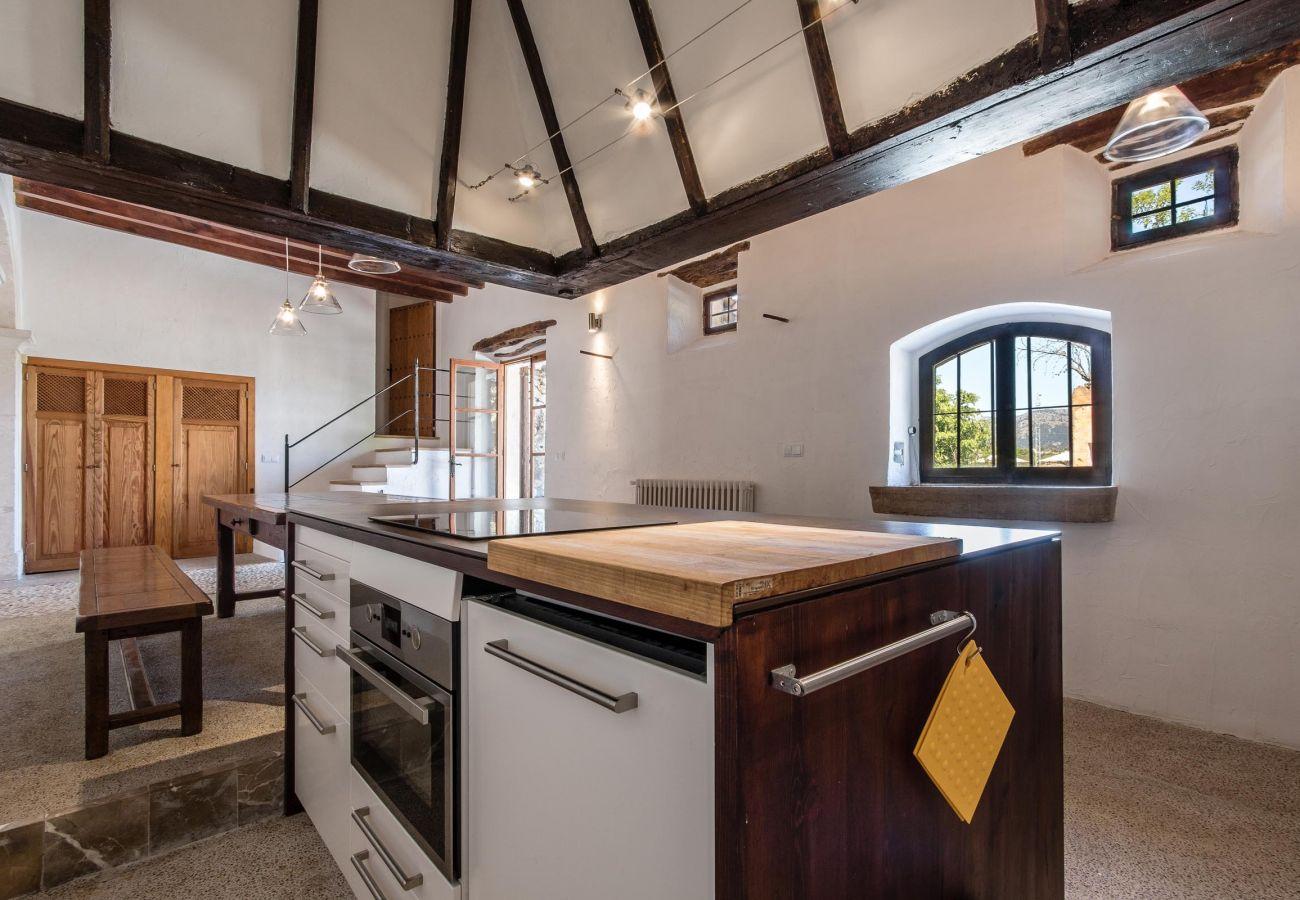 Villa en Buger - RAFAL ANTIC. Tipica casa mallorquina totalmente restaurada en Buger