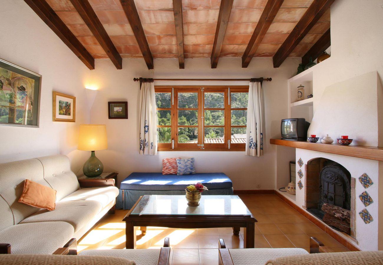 Villa en Cala San Vicente - MARCH CASA 11 - Tradicional villa a distancia a pie de la playa