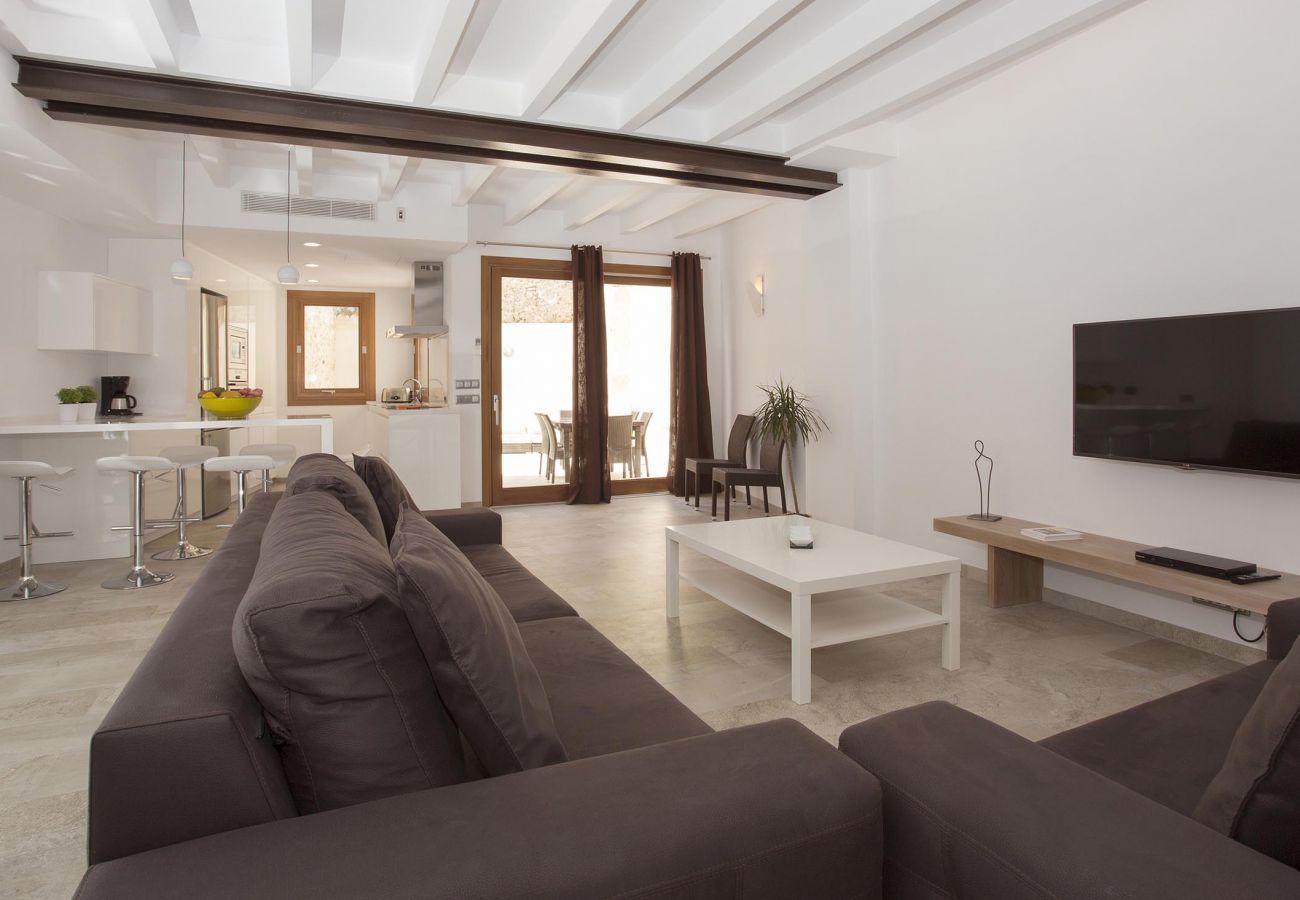Villa en Pollensa - SANT SEBASTIA. Moderna casa en el centro de Pollensa