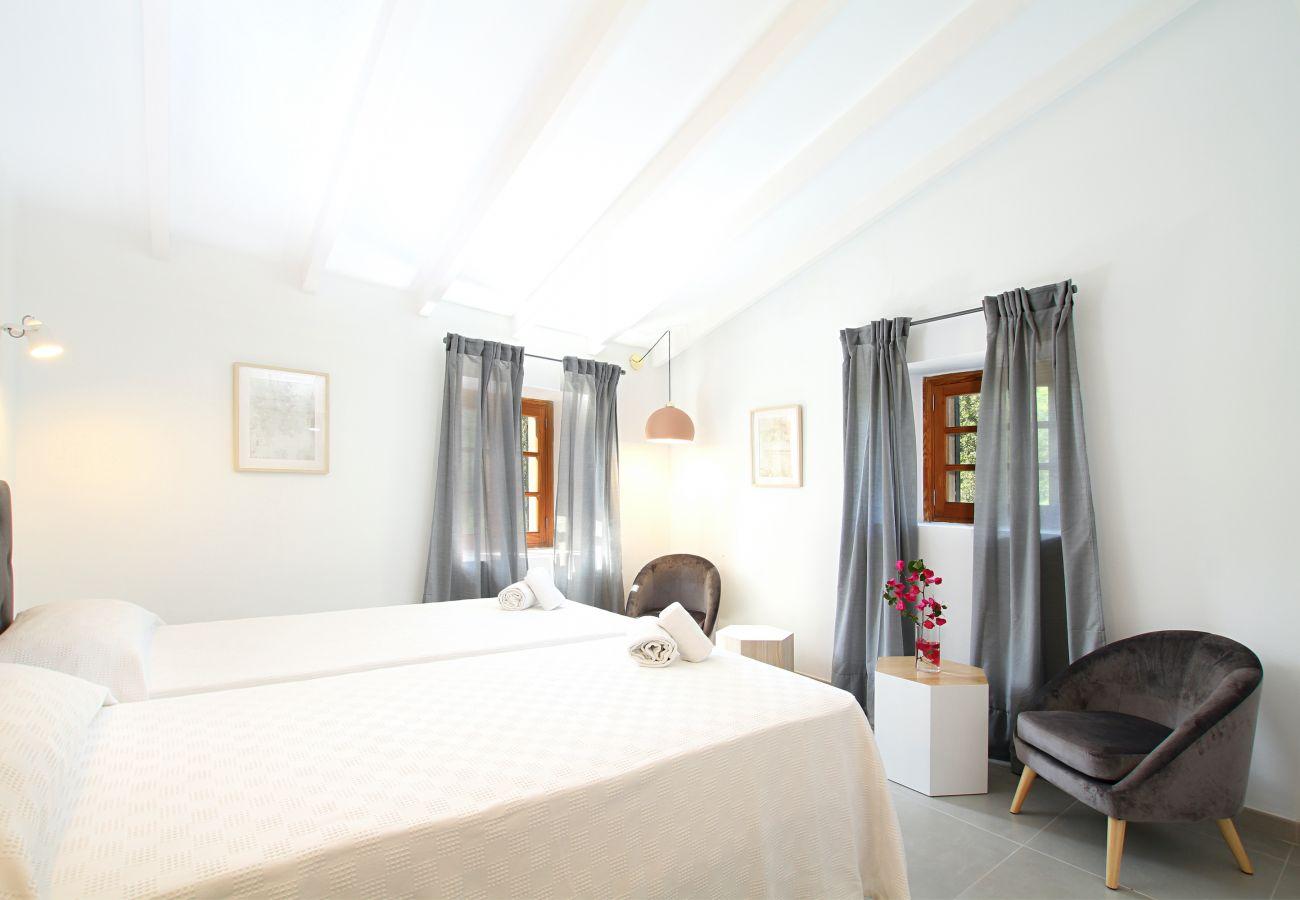 Villa en Pollensa - JAUME RAMONA. Impresionante villa recién reformada en un paraje único