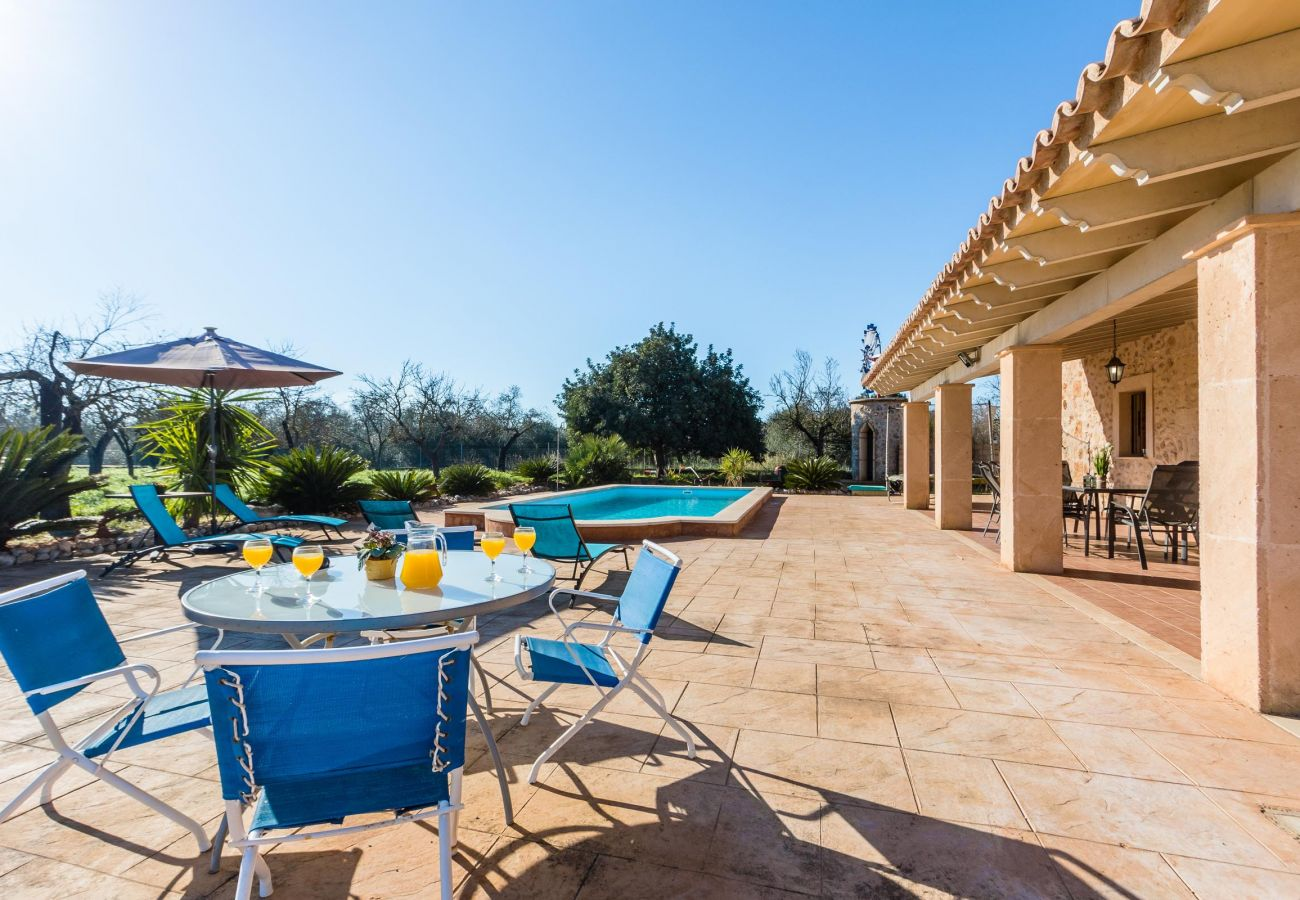 Villa in Sa Pobla - CAPO. Charming villa located in a peaceful rural area